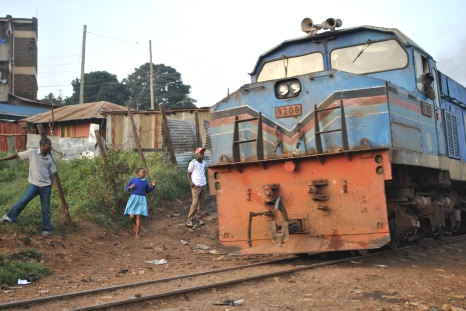 Train plows through the heart of Kibera (Photo credit: Brielle Morgan)